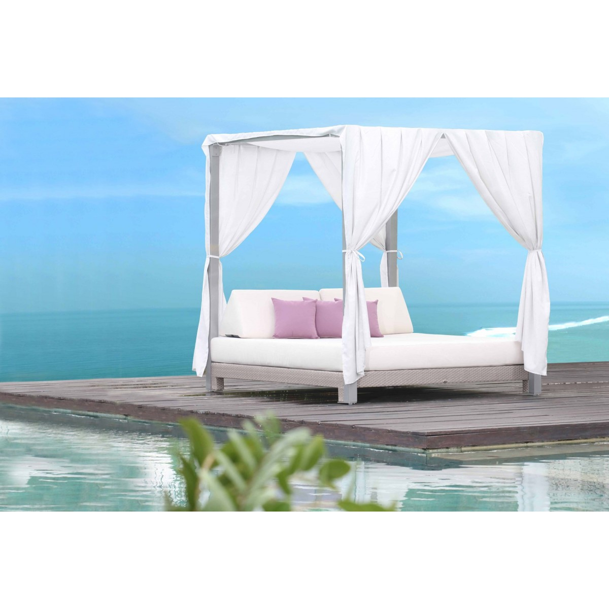 https://www.firstfurniture.co.uk/pub/media/catalog/product/0/7/076-22880_skyline_anibal_day_bed-1200x1200.jpg