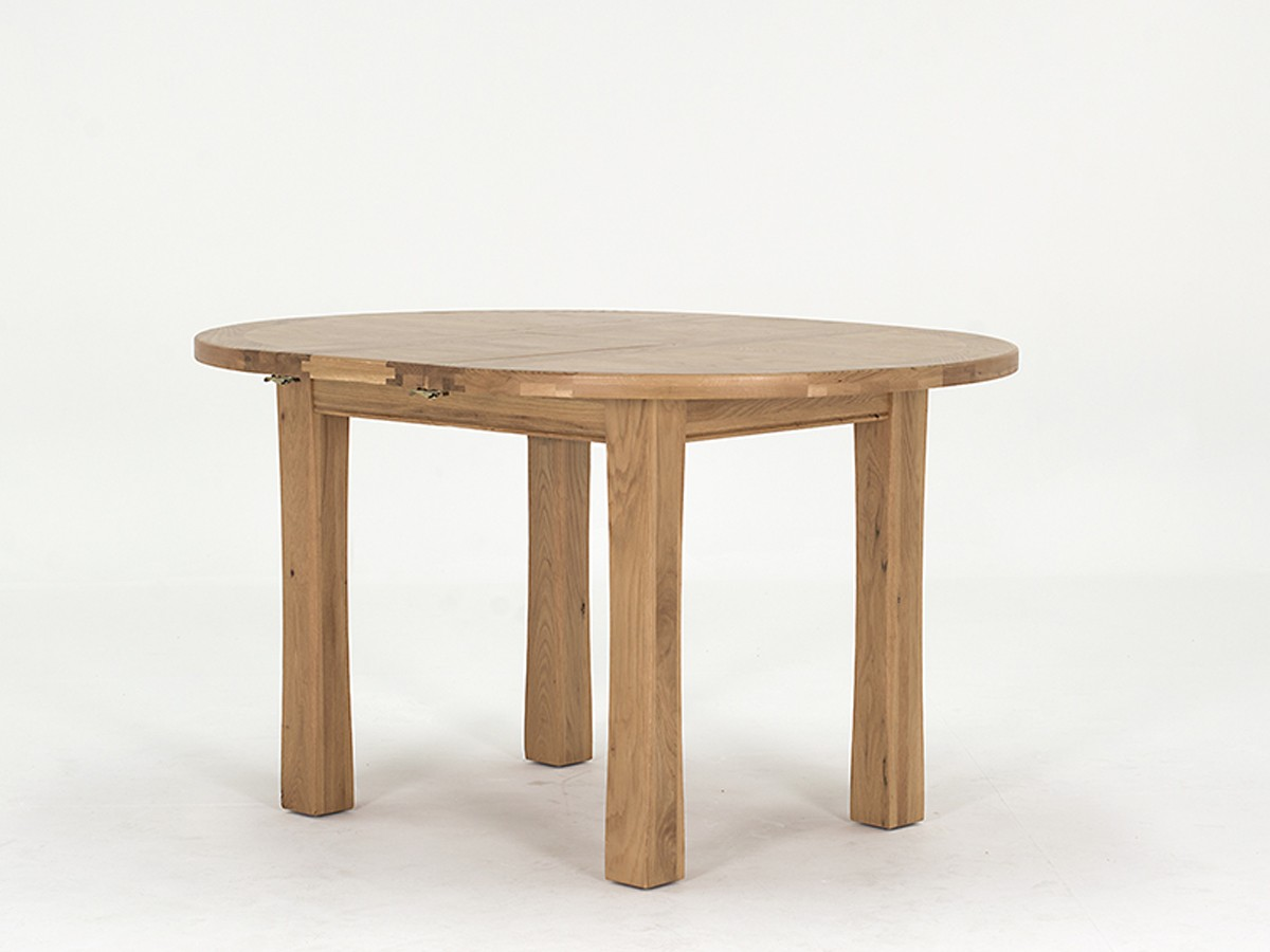 Breeze 107/140cm Round Ext. Oak Dining Table With 4 Breeze