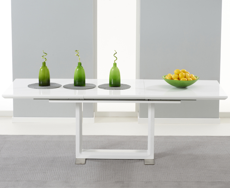 Stanley Oak Round Dining Table