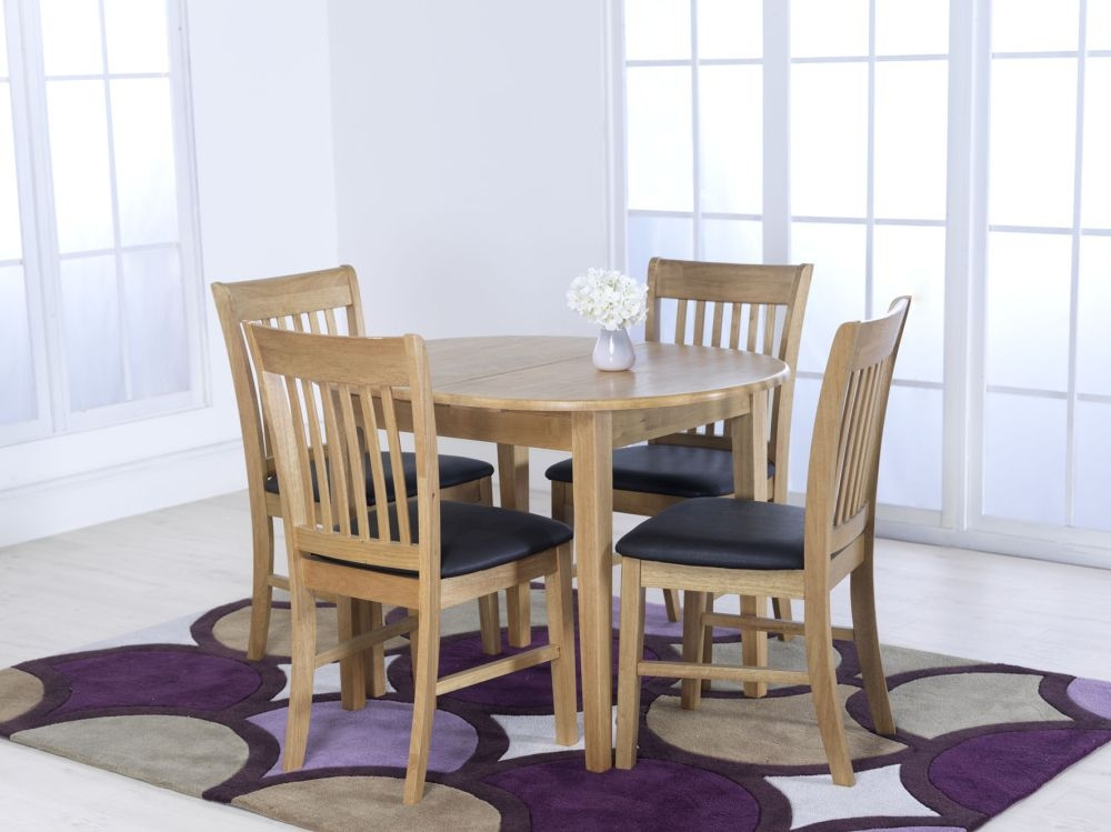 Cleo Oak Dining Table With 4 Cleo Chairs