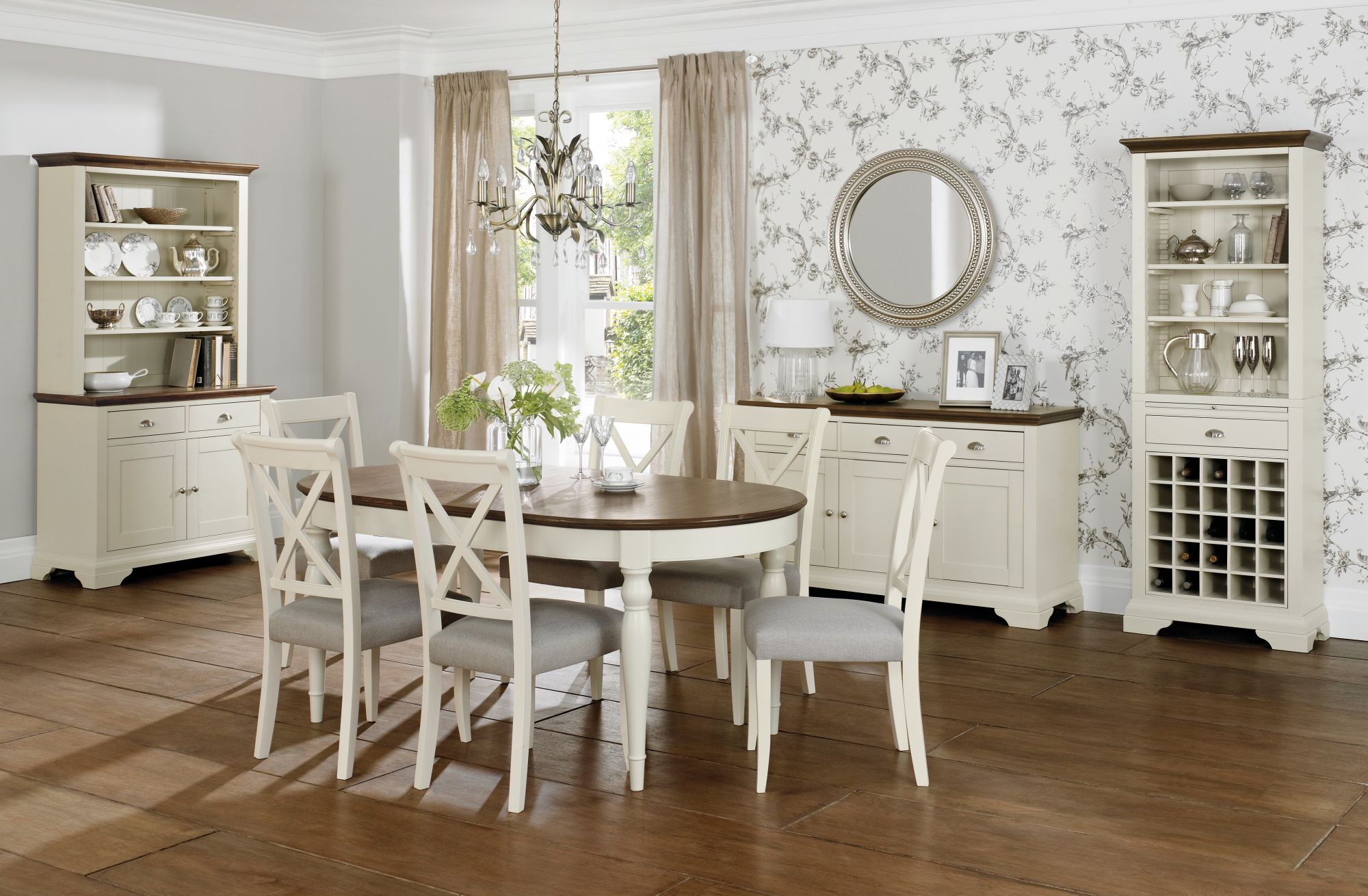 Bentley Designs Hampstead Walnut Dining Table With 6 X Back