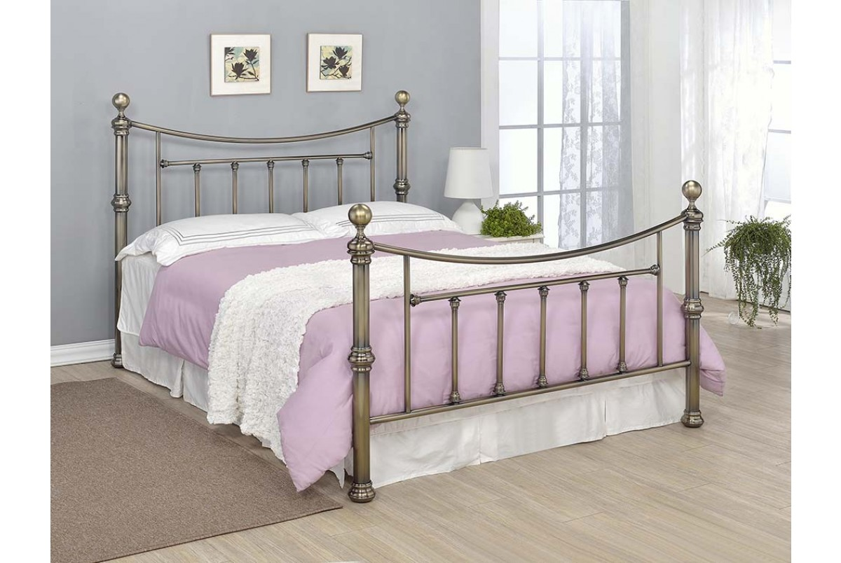 Photo of Southford 5ft king size brass metal bed