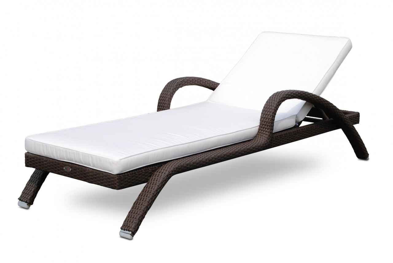 https://www.firstfurniture.co.uk/pub/media/catalog/product/I/M/IMPERILA_LOUNGER_2_09074.jpg