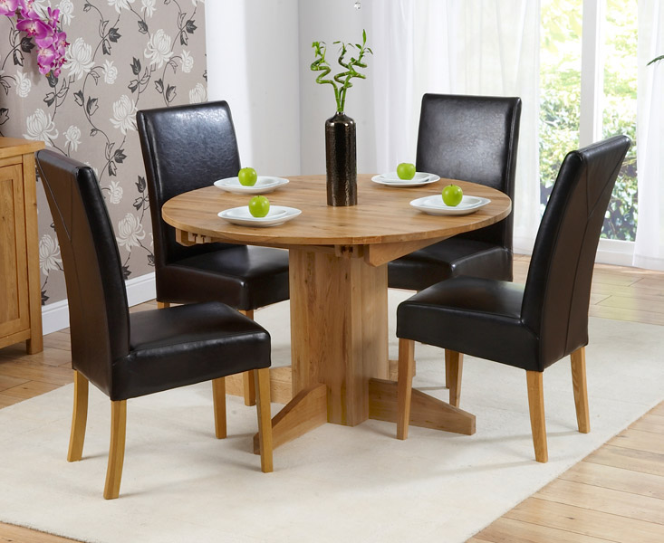 https://www.firstfurniture.co.uk/pub/media/catalog/product/M/O/MONTE_CARLO_Extending_DT_with_4_Rustique_Brown_Chairs_45142_zoom.jpg