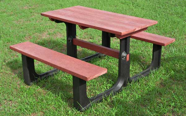 https://www.firstfurniture.co.uk/pub/media/catalog/product/P/L/PL-001R-Recycled-Plastic-picnic-table_79696.jpg