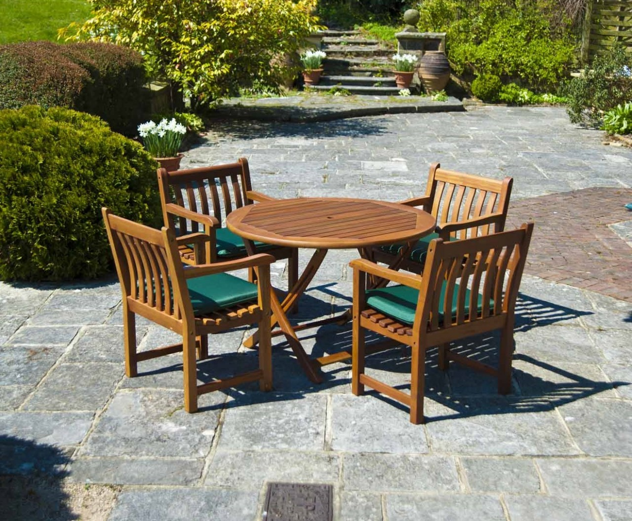 https://www.firstfurniture.co.uk/pub/media/catalog/product/a/l/alexander-rose-cornis-round-4-seater-broadfield-armchair-garden-set-pic36803.jpg