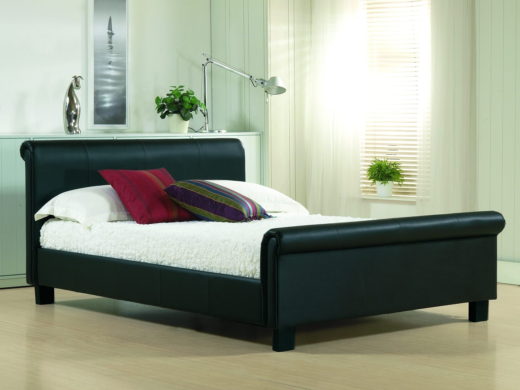 https://www.firstfurniture.co.uk/pub/media/catalog/product/a/u/aurora_black_1_2.jpg