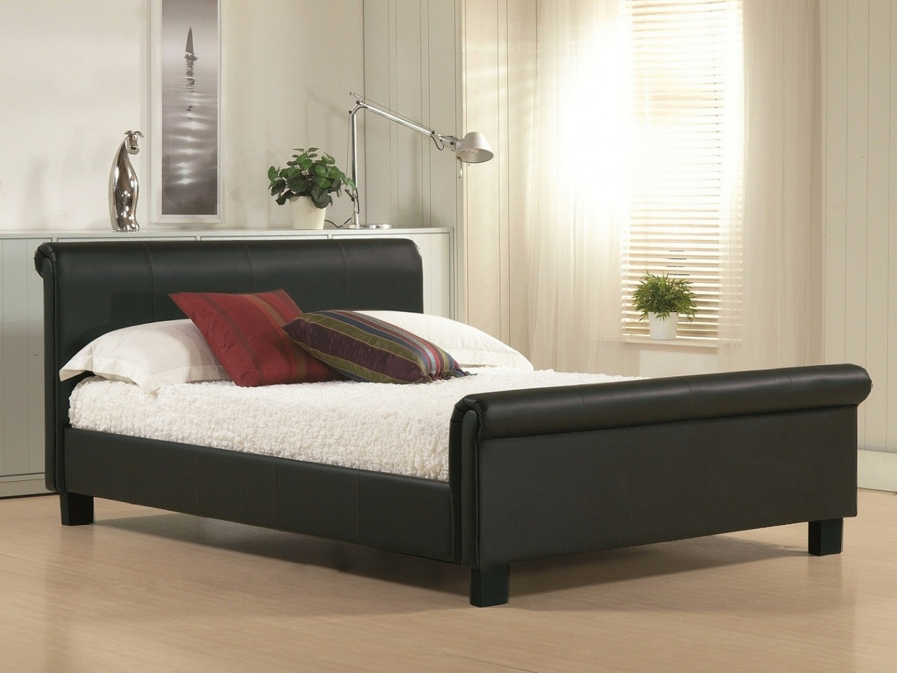 https://www.firstfurniture.co.uk/pub/media/catalog/product/a/u/aurora_black_96840_zoom_47801_zoom.jpg