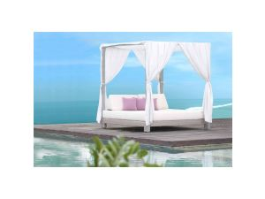 Skyline Anibal Rattan Day Bed + 4 Poster
