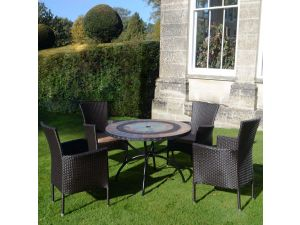 Europa Alcira Standard With 4 Stockholm Black Chairs