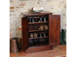 Baumhaus La Roque Shoe Cupboard