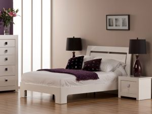 Bari 4ft6 Double White High Gloss Bed