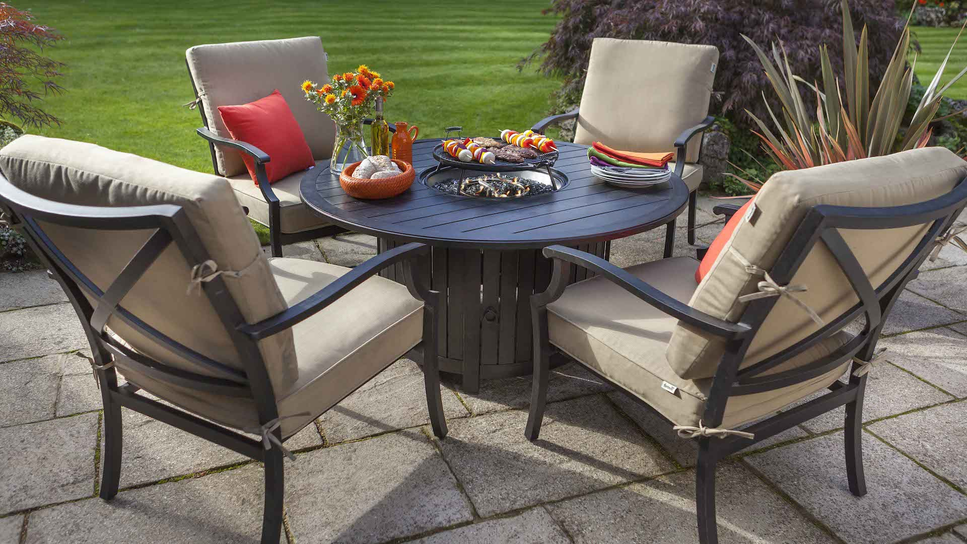 https://www.firstfurniture.co.uk/pub/media/catalog/product/e/m/emberglow_fire_pit_set_2.jpg