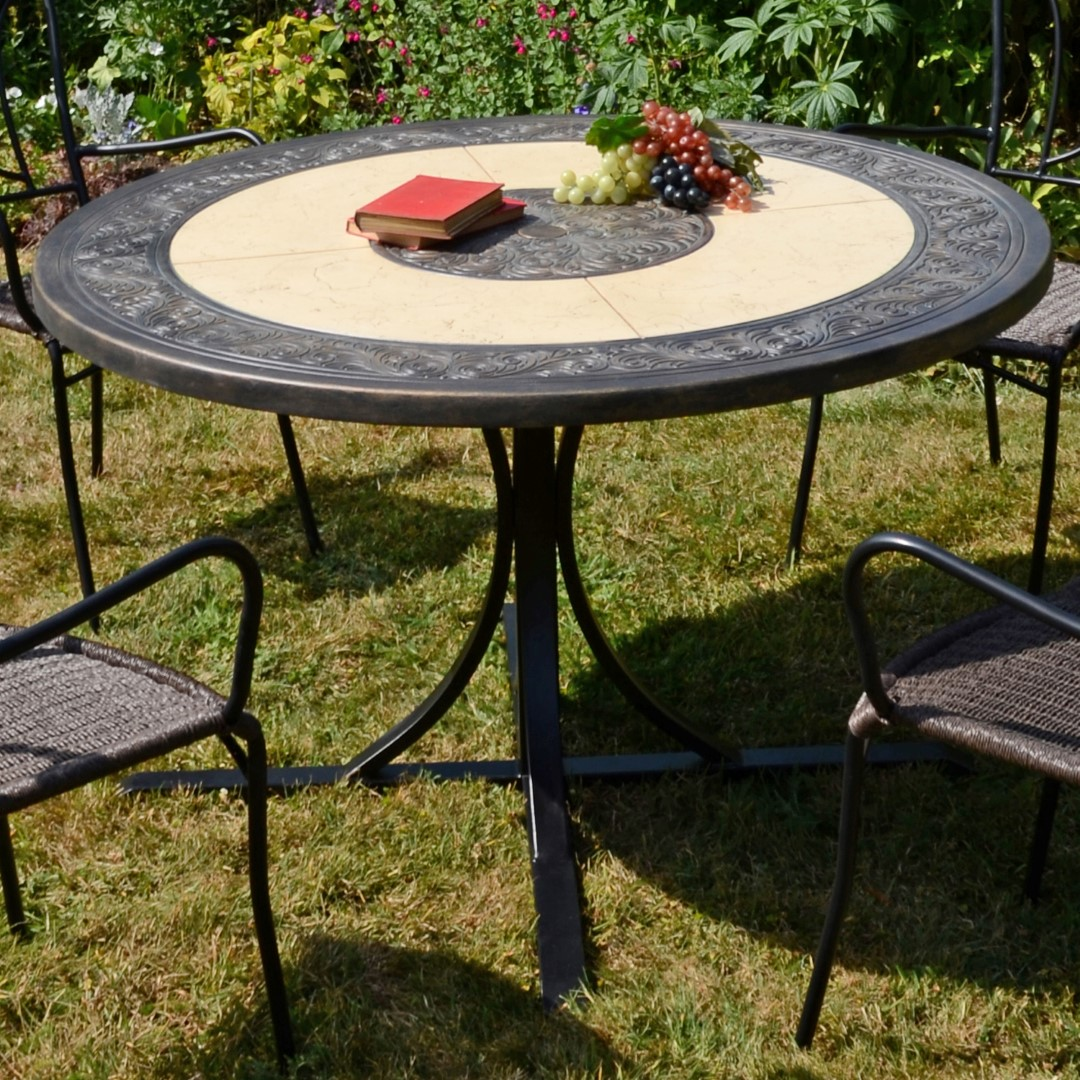 Europa St Malo 122cm Round Marble Dining Table