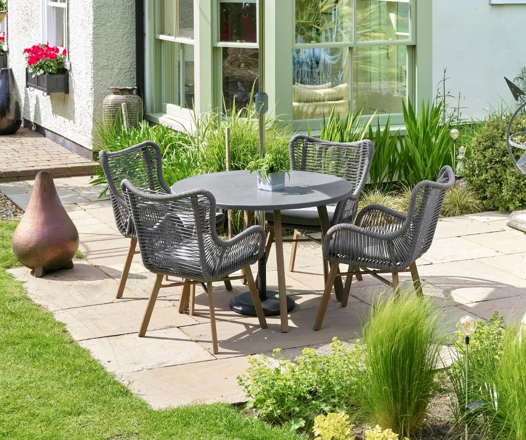 Leisuregrow Santa Fe Grey Aluminium 4 Seater Dining Set With 230cm Stainless Steel Parasol And Base