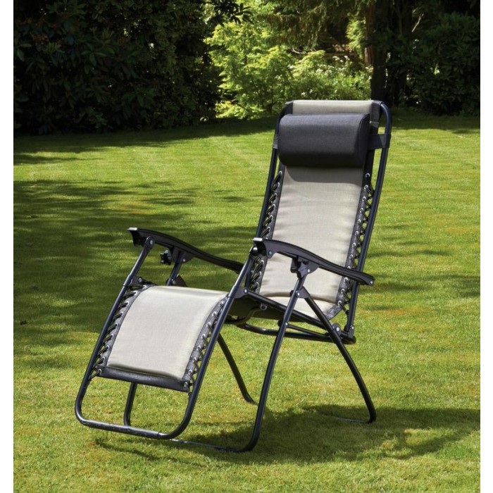 https://www.firstfurniture.co.uk/pub/media/catalog/product/r/o/royalcraft_padded_zero_gravity_chair_brown.jpg