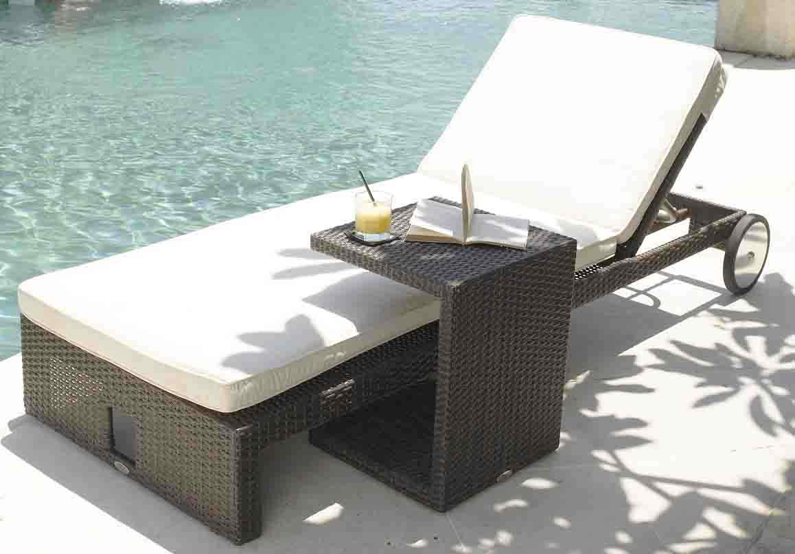 https://www.firstfurniture.co.uk/pub/media/catalog/product/s/k/skyline_miami_rattan_sun_lounger_with_side_table.jpeg
