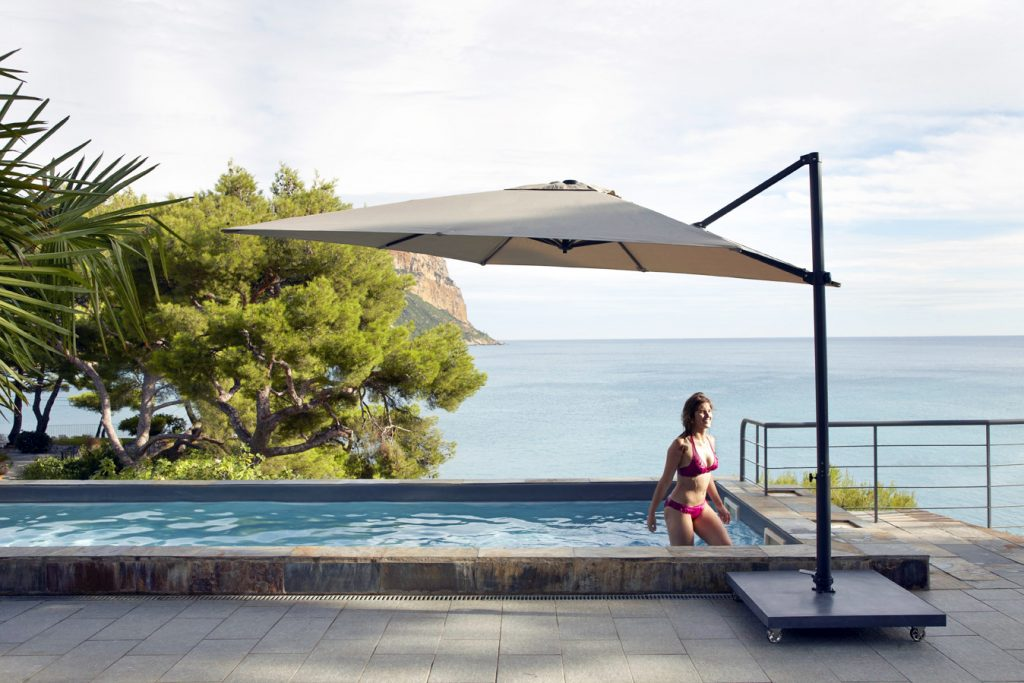 Skyline Nicosia Taupe Cantiliver 3M Square Parasol With Base And Cover